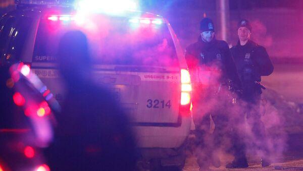 Policía en el lugar del tiroteo en Quebec - Sputnik Mundo