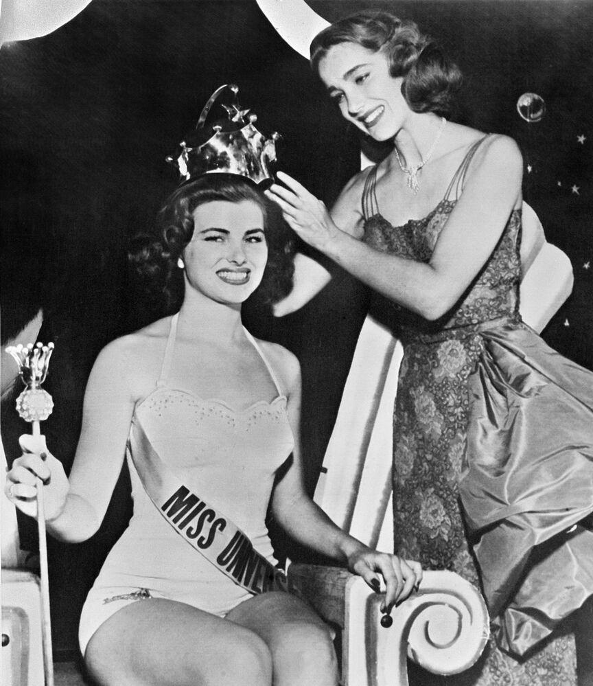 Christiane Martel, de Francia, Miss Universo 1953