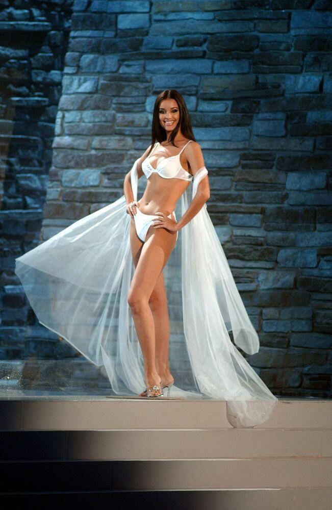 Oksana Fiódorova, de Rusia, Miss Universo 2002