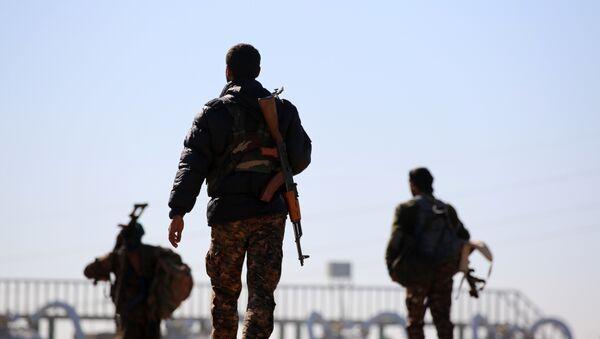 Fuerzas Democráticas sirias en Al Raqa - Sputnik Mundo