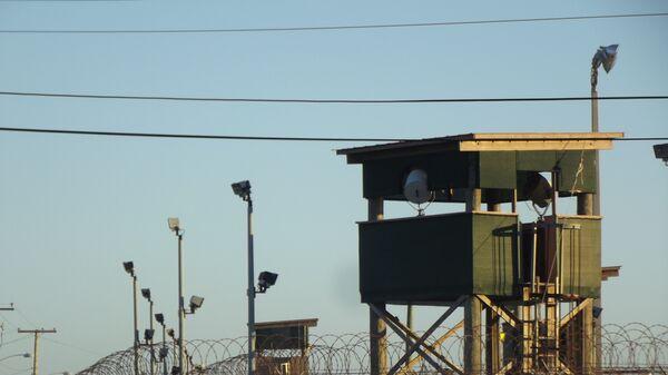 Una de las torres de vigilancia del Campo 6 de Guantánamo - Sputnik Mundo
