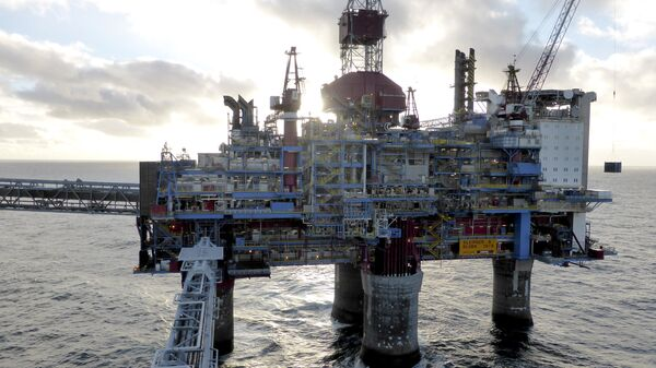Oil and gas company Statoil drilling and accommodation platform Sleipner A is pictured in the offshore near the Stavanger, Norway, February 11, 2016 - Sputnik Mundo