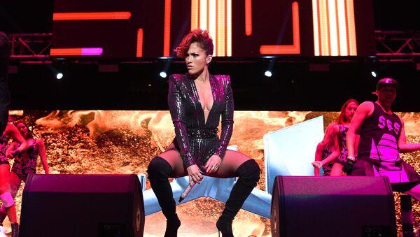 Jennifer López en un concierto en el Madison Square Garden - Sputnik Mundo