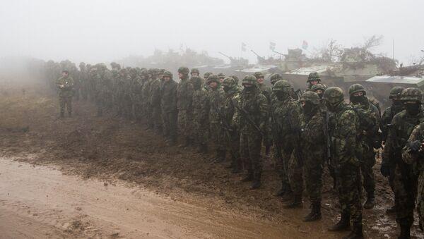 Soldados durante las maniobras de la Hermandad Eslava en 2016 (archivo) - Sputnik Mundo