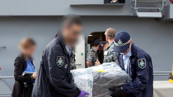Policía australiana intercepta el mayor alijo de cocaína en la historia del país - Sputnik Mundo