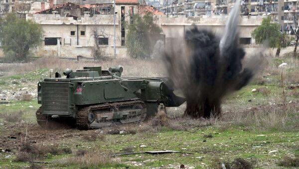El sistema Uran-6 desplegado en un barrio de Alepo, en Siria - Sputnik Mundo