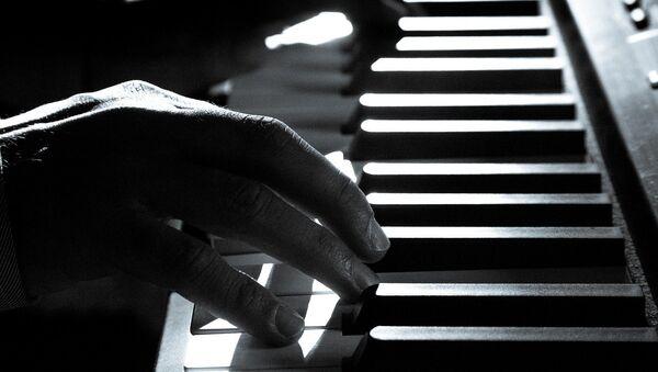 Un piano (imagen referencial) - Sputnik Mundo