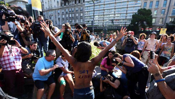 Protesta de mujeres en Buenos Aires - Sputnik Mundo