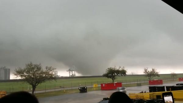 Un tornado en una instalación de la NASA - Sputnik Mundo