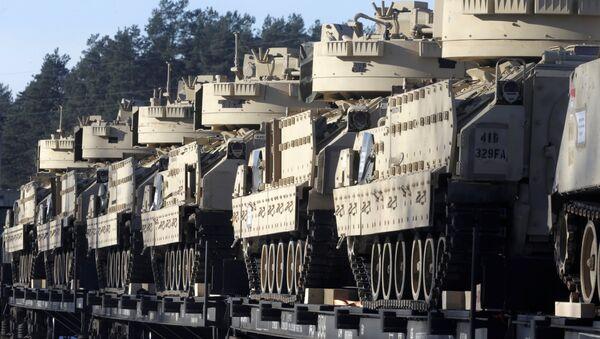 Tanques de la OTAN en Letonia - Sputnik Mundo