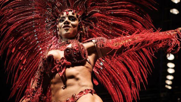 Mayara do Nascimento, durante el final de concurso para el título del rey o la reina de samba en Carnaval de Río de Janeiro de 2017 - Sputnik Mundo