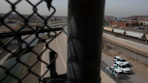 Frontera entre EEUU y México - Sputnik Mundo