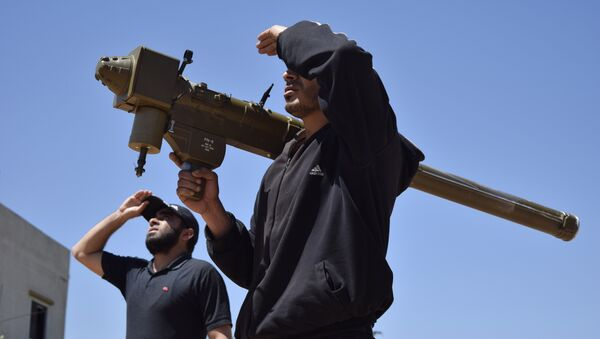 Rebeldes sirios con Manpads estadounidense (archivo) - Sputnik Mundo