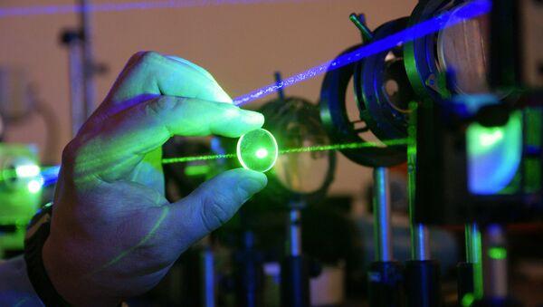 Laboratorio de mediciones láser del Instituto de Sistemas de procesamiento de la imagen en Samara, Rusia - Sputnik Mundo