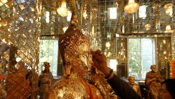 El día de 'Magha Puja' en el templo Wat Phra Dhammakaya, Tailandia - Sputnik Mundo