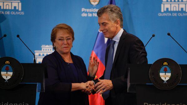 Mauricio Macri, presidente de Argentina, y Michelle Bachelet, presidenta de Chile (archivo) - Sputnik Mundo