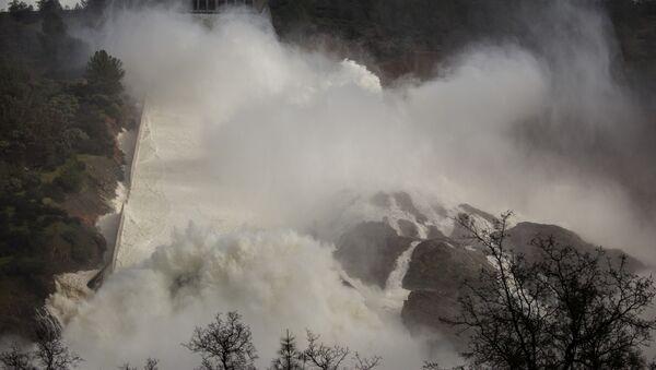 Situación en la presa de Oroville, EEUU - Sputnik Mundo