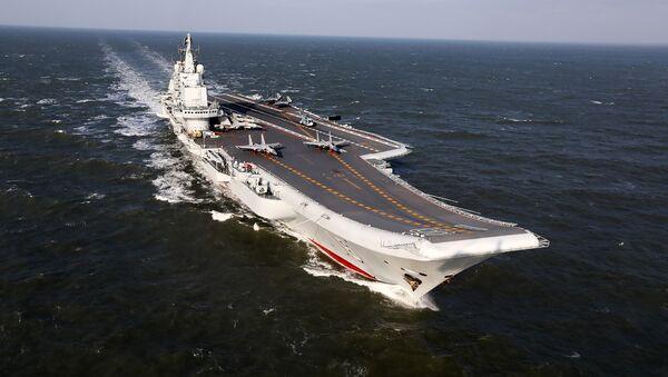 El portaviones chino Liaoning - Sputnik Mundo
