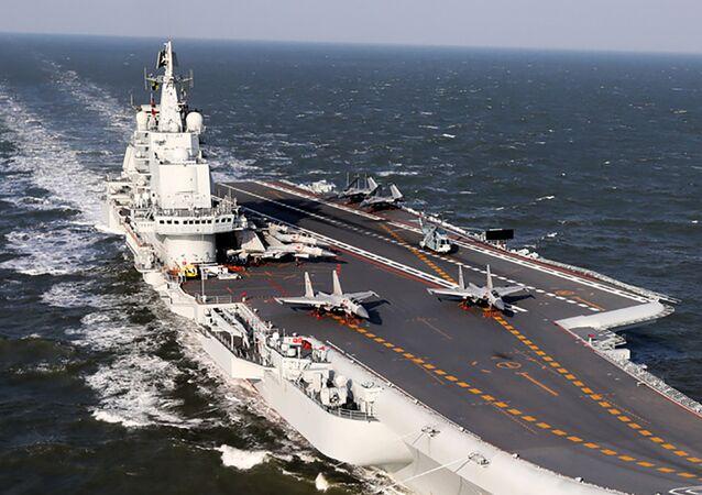 Un portaviones chino (archivo)