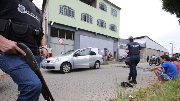 Policías brasileños en el lugar de un tiroteo en Espírito Santo - Sputnik Mundo