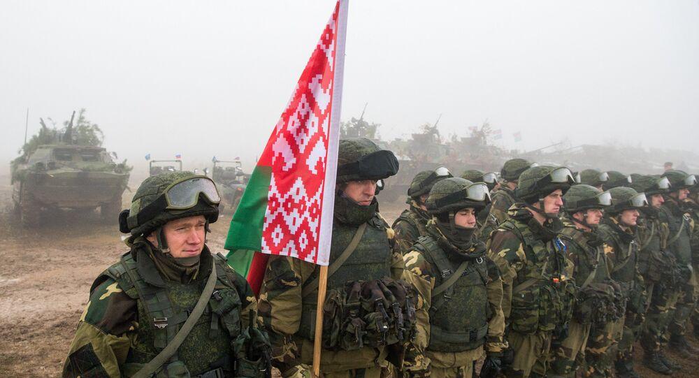 Militares bielorrusos durante maniobras