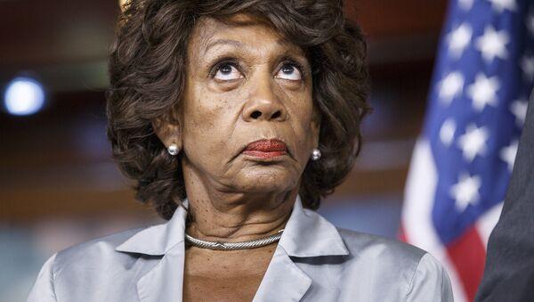 Maxine Moore Waters, congresista por el estado de California. - Sputnik Mundo