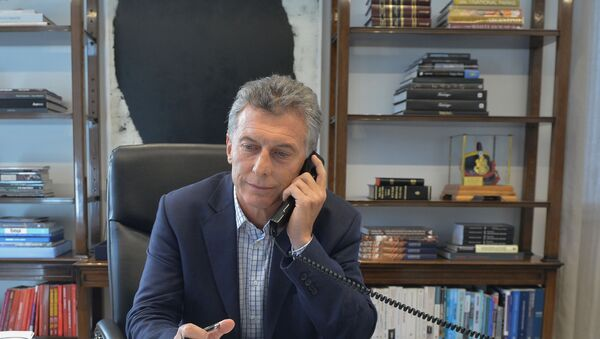 Argentina's President Mauricio Macri speaks by phone with U.S. President Donald Trump, in Buenos Aires, Argentina - Sputnik Mundo