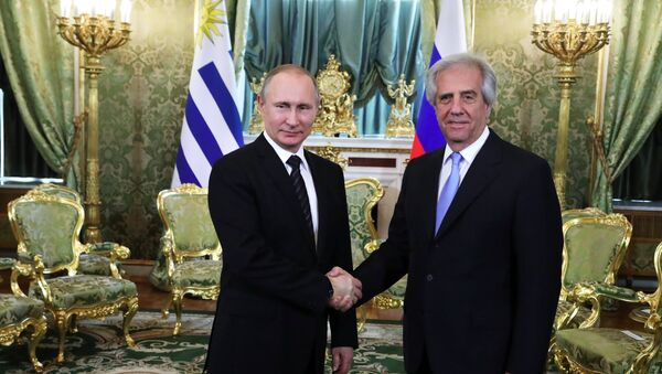 Presidente de Rusia, Vladímir Putin, y presidente de Uruguay, Tabaré Vázquez - Sputnik Mundo