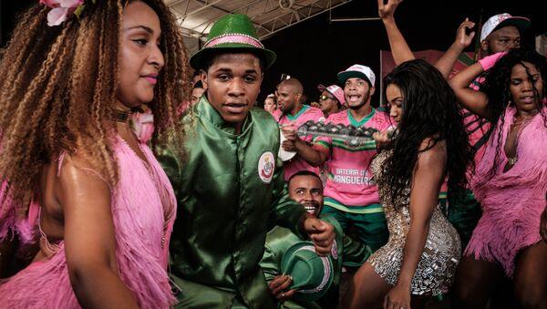 Preparaciones para el carnaval en Brasil - Sputnik Mundo
