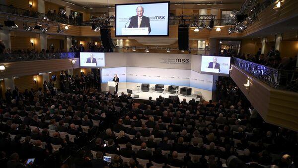La Conferencia de Seguridad de Múnich se inauguró con un discurso de su presidente, Wolfgang Ischinger. - Sputnik Mundo