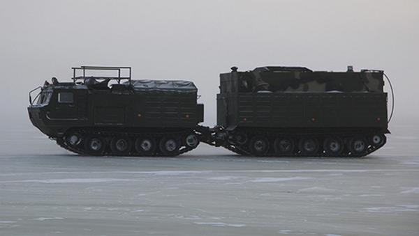 Maniobras rusas bajo las extremas condiciones climáticas del Ártico - Sputnik Mundo