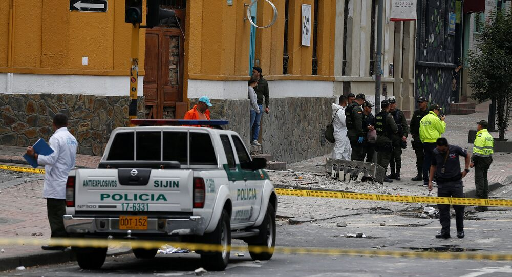 Policía en el lugar de la explosión en Bogotá
