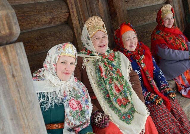 El sexto día de la Máslenitsa: una noche con las cuñadas