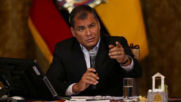 Ecuador's President Rafael Correa gives a a news conference in Quito, Ecuador - Sputnik Mundo