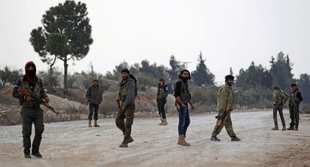 Las milicias sirias afueras de Al Bab
