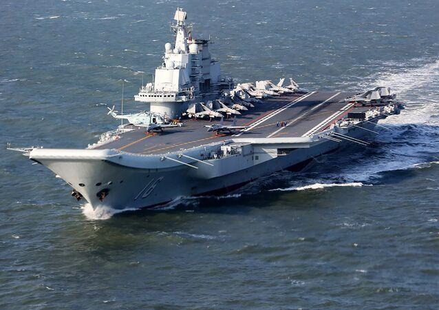 Un portaviones chino (imagen referencial)