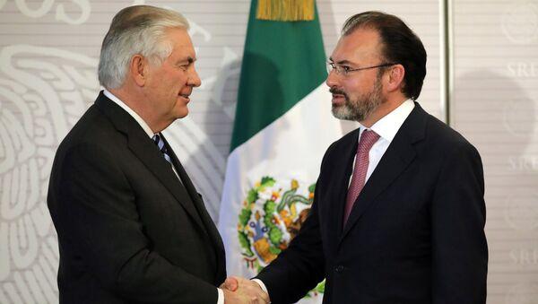 Rex Tillerson, secretario de Estado de EEUU, y Luis Videgaray, canciller de México - Sputnik Mundo