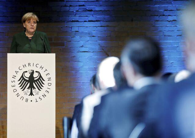 Angela Merkel ante el Servicio Federal de Inteligencia de Alemania, 28 de noviembre de 2016