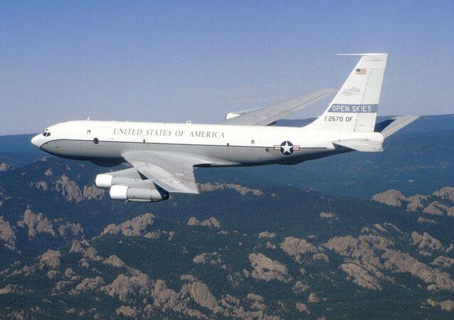 Avión estadounidense Boeing OS-135B (archivo)