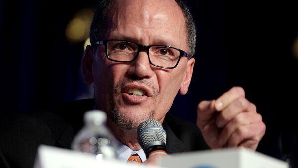 Tom Perez speaks during a Democratic National Committee forum in Baltimore, Maryland. - Sputnik Mundo
