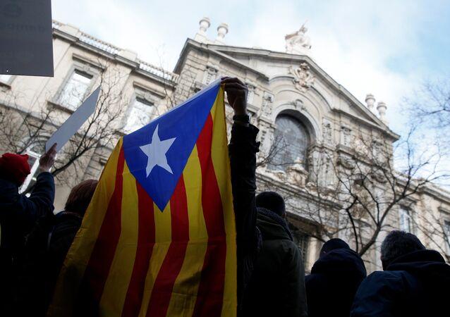 Unamanifestación en apoyo de Francesc Homs