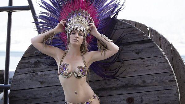 Juliana Titaeva, bailarina rusa de la Escuela de Samba de Portela - Sputnik Mundo