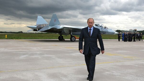 Prime Minister Vladimir Putin at the test if a T-50 fifth generation fighter - Sputnik Mundo
