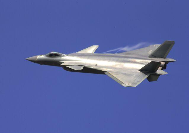 Un caza chino J-20 (archivo)