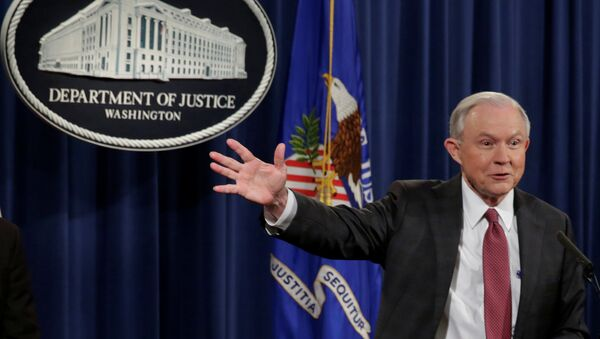 U.S. Attorney General Jeff Sessions speaks at a news conference at the Justice Department in Washington - Sputnik Mundo