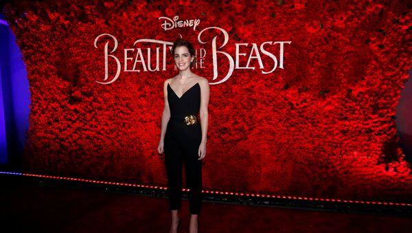 Emma Watson en el preestreno de 'La Bella y la Bestia' - Sputnik Mundo
