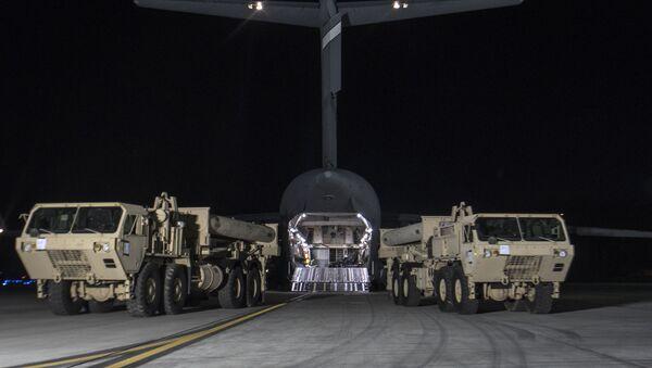 Las primeras partes del escudo antimisiles THAAD llegan a Corea del Sur (archivo) - Sputnik Mundo