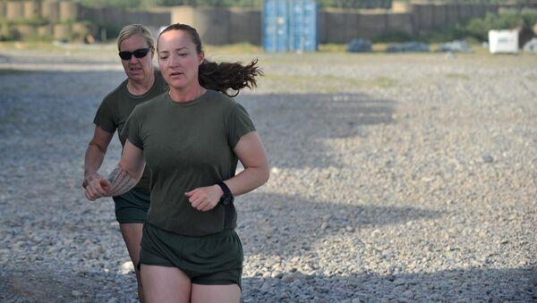 Mujeres de la Infantería de Marina estadounidense - Sputnik Mundo