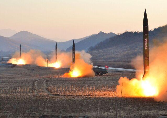 El lanzamiento de misiles balísticos (imagen referencial)