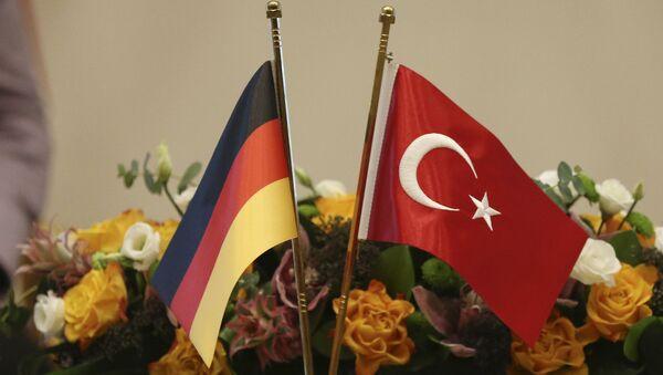 Banderas de Alemania y Turquía - Sputnik Mundo